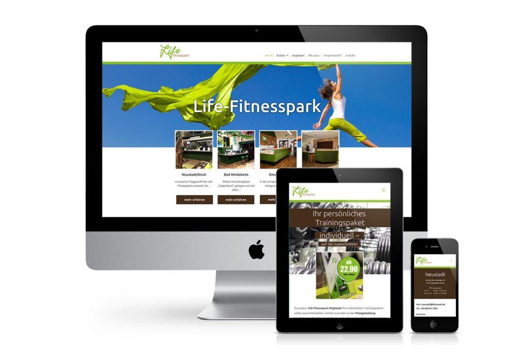 responsives Design der Internetseite von LifeParks am PC, Tablet und Handy